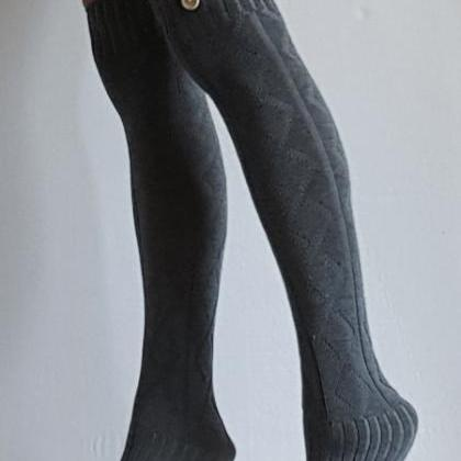 Leg warmers in HEATHER GREY with bu..